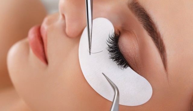 What are eyelash extensions ?
